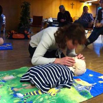 Das Erste Hilfe Training Für Emile Schulweghelfer