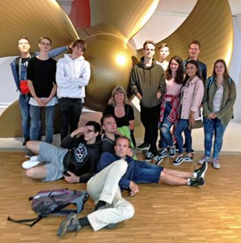 Zu Besuch Bei Den Ozeanriesen: EmiLe FOS Schüler Besichtigen Die Meyer Werft In Papenburg